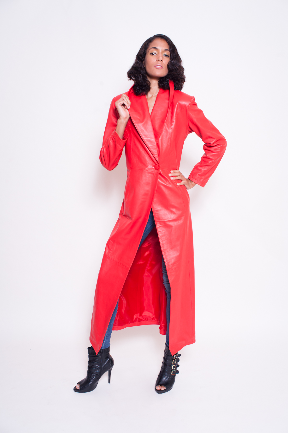 Women's Lambskin Leather Coat -$400 (Leather Clothing) Colors: Red Black. Sizes:  X-Small Small Medium Large X-large 2XL(+$30) 3XL(+$30)     This women's lambskin leather coat is the ultimate in a fashion statement from New York. Wear it