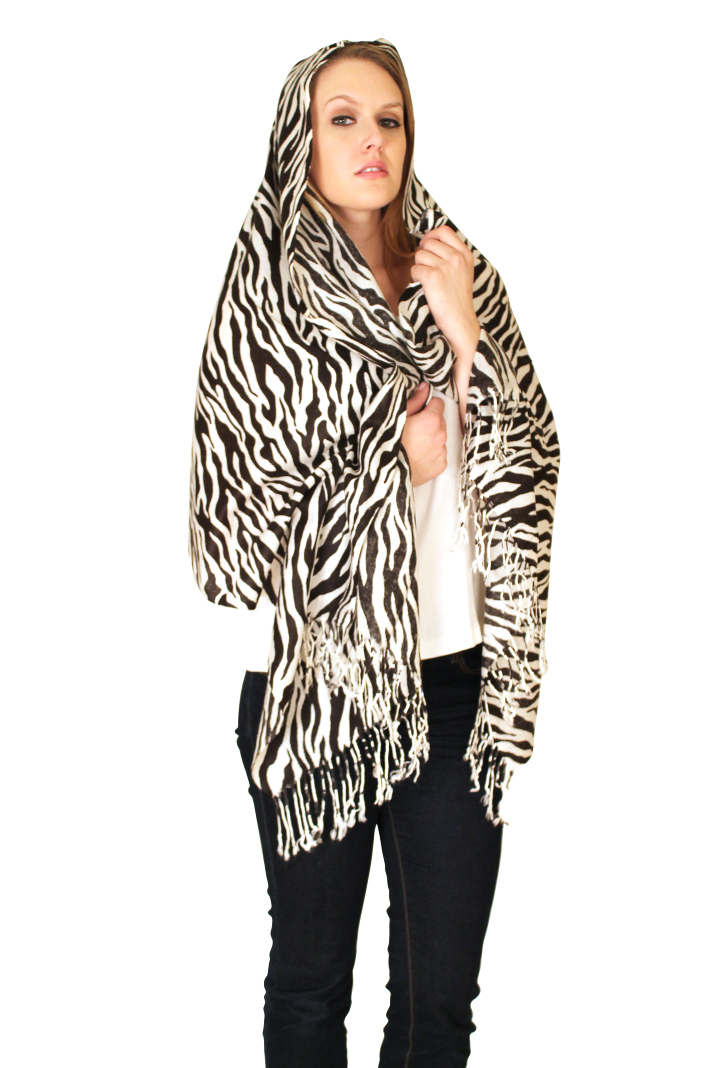 Pashmina and Infinity Scarves for women and men at discount prices Colors: . Sizes:       Pashmina Scarves and Shawls Infinity Scarves></a><br></li><li class=price-display><ul class=price-display><li style=text-align:center;>&nbsp &nbsp</li></li></li></div><div class=item-wide><li class=itemwrap style=text-align:center;><li class=name-wide><a href=http://apparelny.com/womensrobes.html  >Women